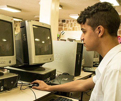 Owen Gonzales, alumno de la Escuela Normal Mixta Pedro Nufio.
