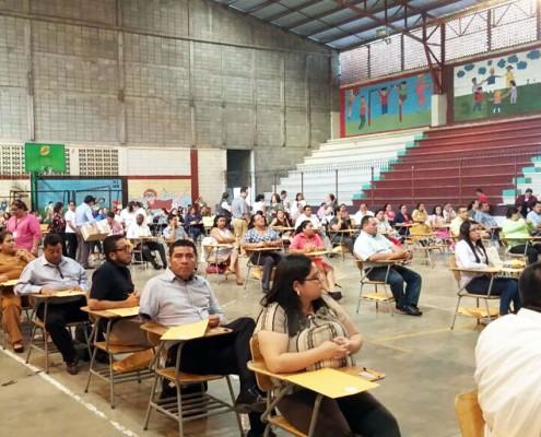 Aspirantes a ocupar las plazas en Direcciones Departamentales de Educación se presentaron a evaluación.