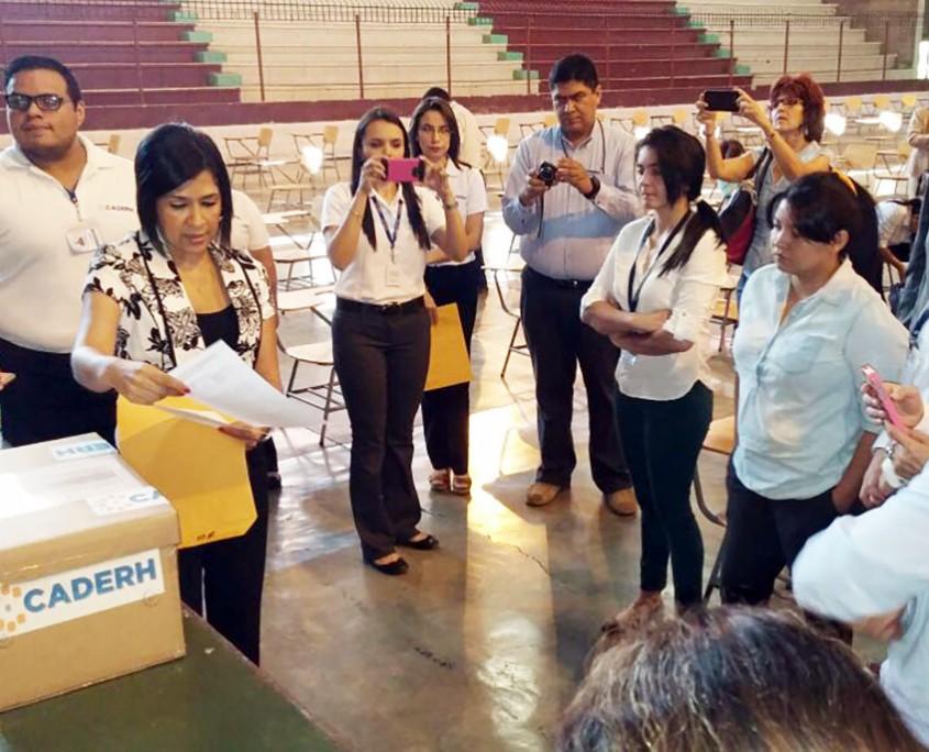 El concurso cuenta con la veeduría de organizaciones de sociedad civil como ASJ, a través de Transformemos Honduras.