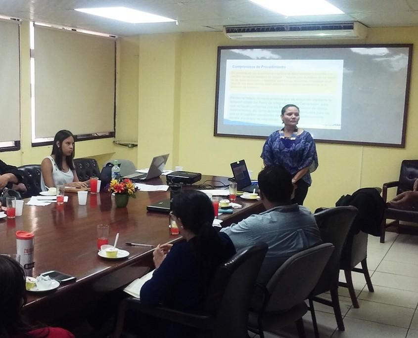 Jornada de socialización con dependencias de la Secretaría de Salud.